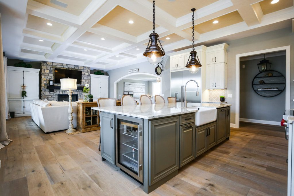 Custom Kitchen Gallery - Kitchen with Tray Ceiling - J&K Custom Homes